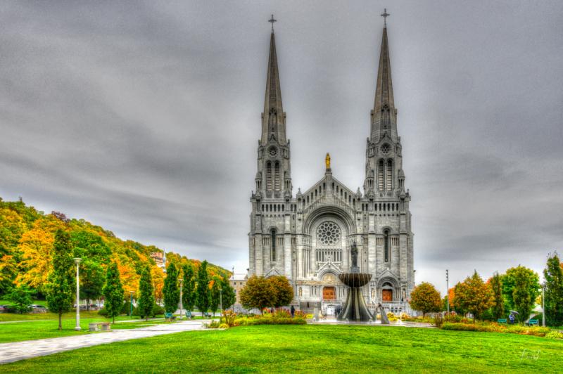 Basilica-of-Sainte-Anne-DeBeaupre